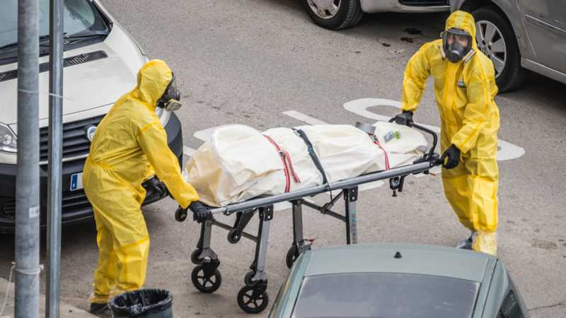 UK Funeral Director Says Variant Deaths are Really Vaccine Deaths 4.5 (8)